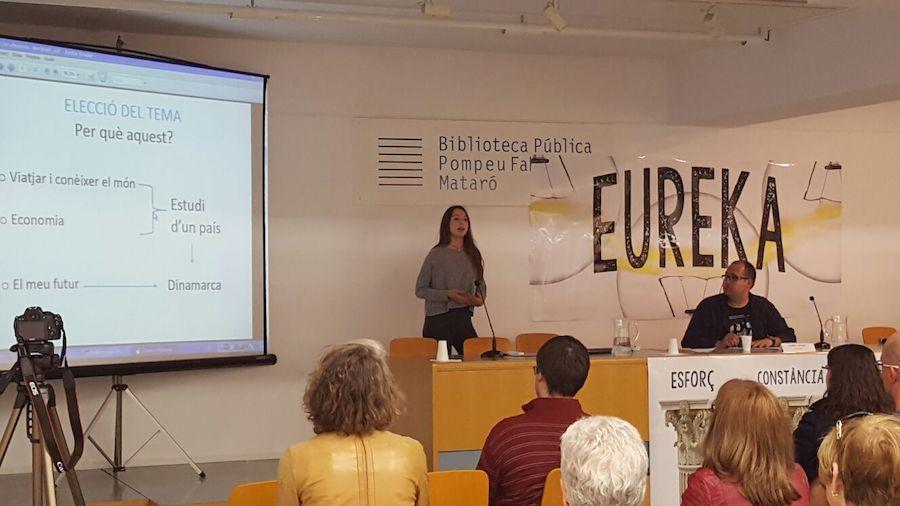 Presentacions en públic a una classe de Batxillerat Escola Meritxell de Mataró